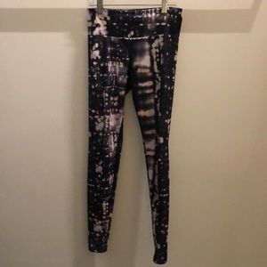 Onzie black cream pink legging, sz xs, 72175